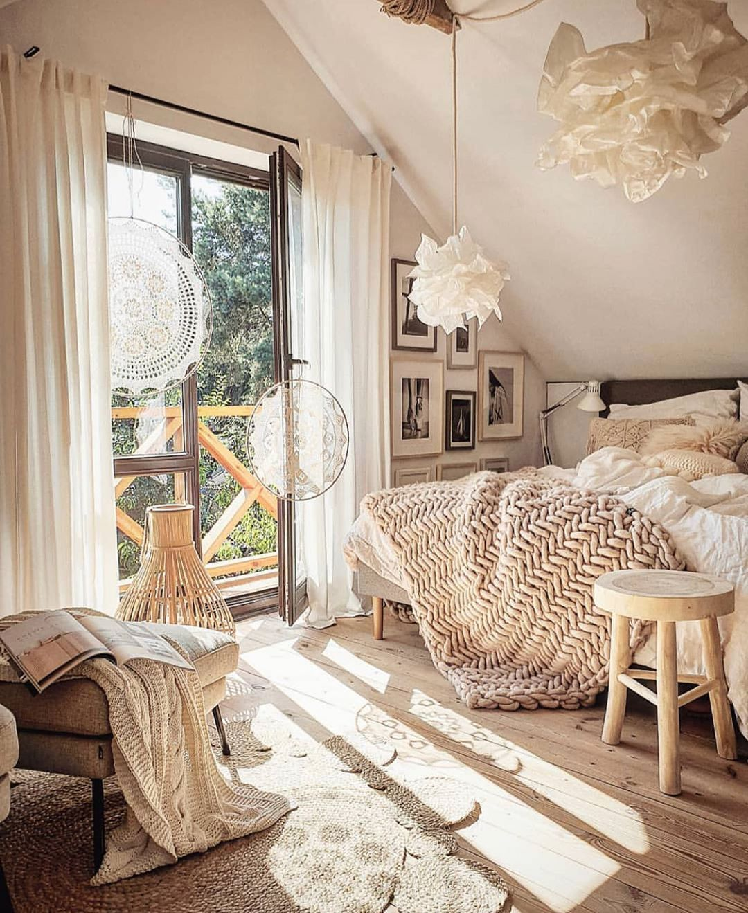 31 Ideas to Decor your Bedroom in 2020 Winters you can Copy – ARTERESTING Bazaar