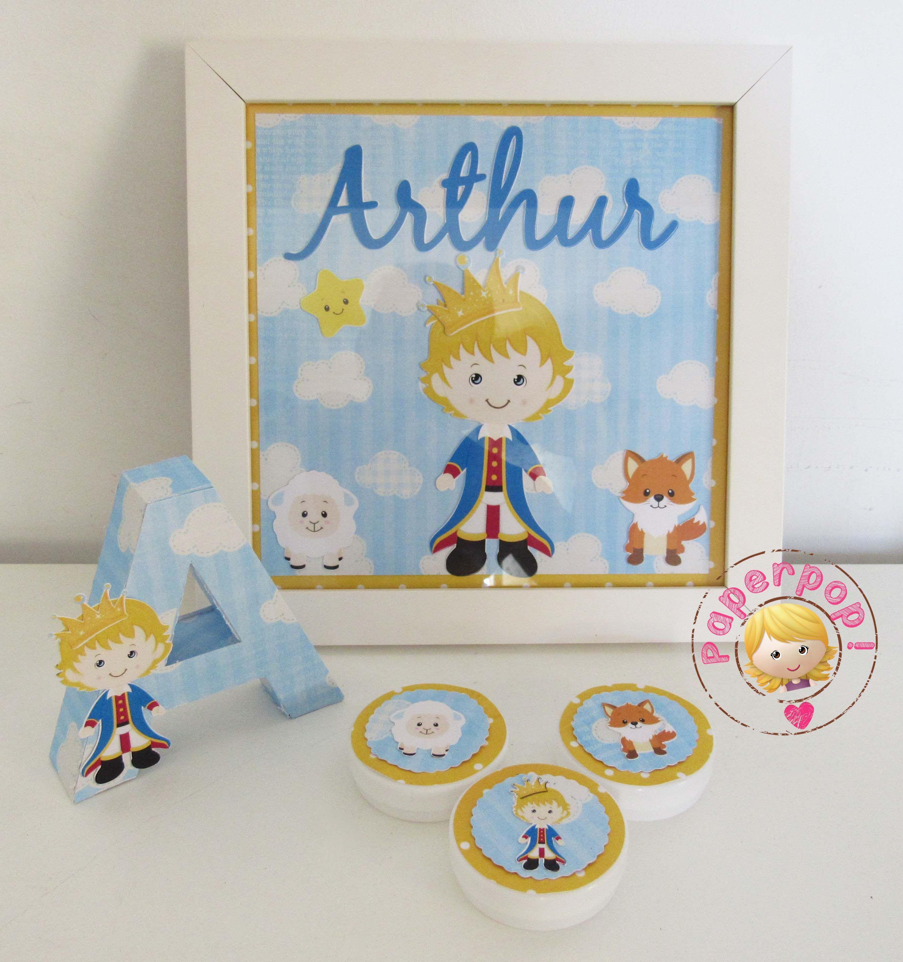 Enfeite de porta, letras decorativas e latinhas decoradas no tema pequeno príncipe. Pedidos e orçamentos: paperpop.br@gmail.com