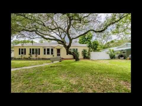 532 Skyview Ave Clearwater Fl 33756 3 3 Quaint Cottage Home With Over 1 600 Sf 2 Of The 3 Bedrooms Have Their O Cottage Homes Quaint Cottage Bungalow Homes
