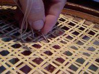 Garniture Et Recouvrement D Un Cannage Chaise Diy Chaise Tissu Cannage Chaise