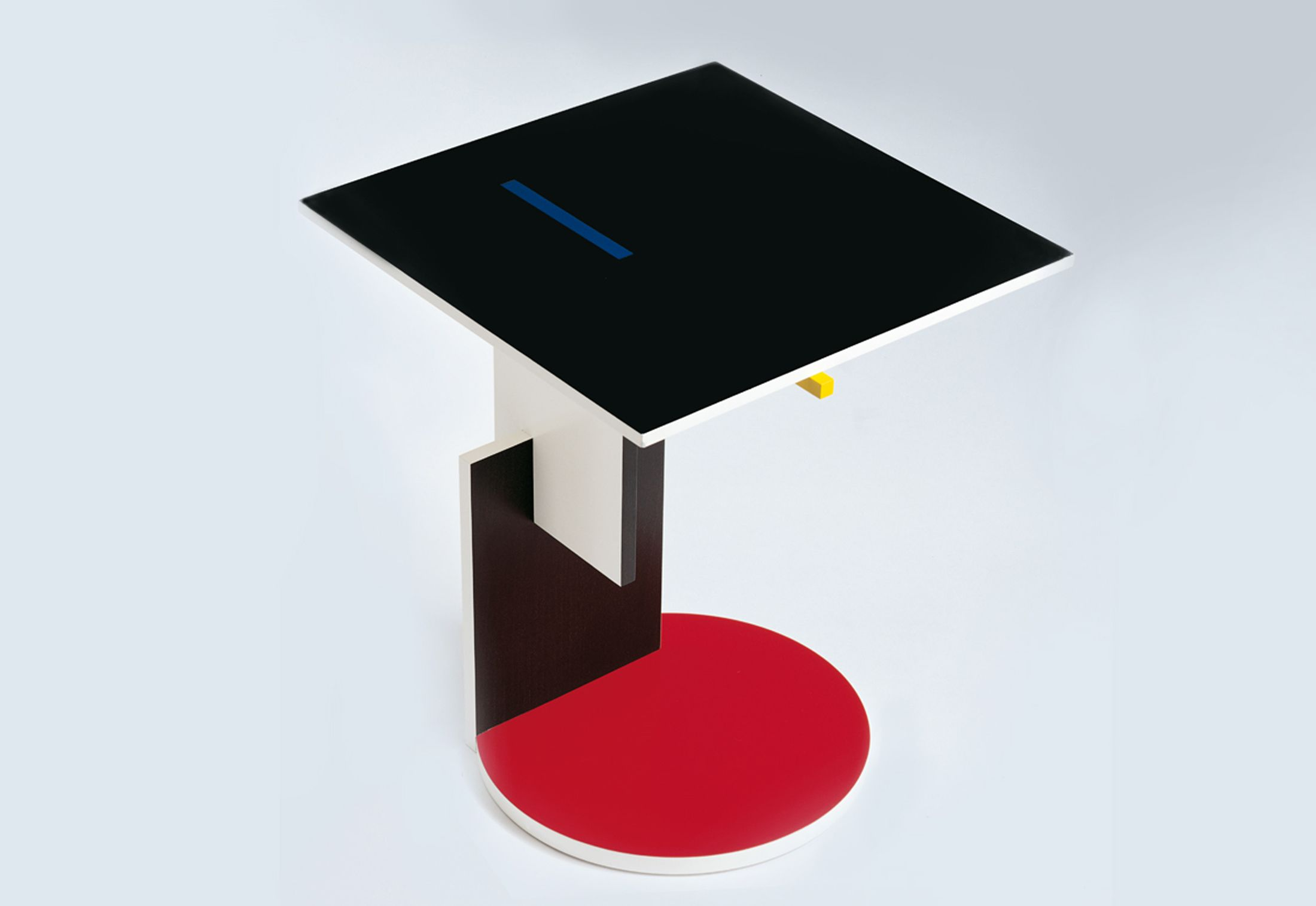 Domani com media catalog product c a cassina schroeder1 side table jpg downloader - The Cassina Schroeder 1 Table Designed By Gerrit T Rietveld Carries On The Bright Coloured Theme First Seen On The Cassina Red And Blue Chair