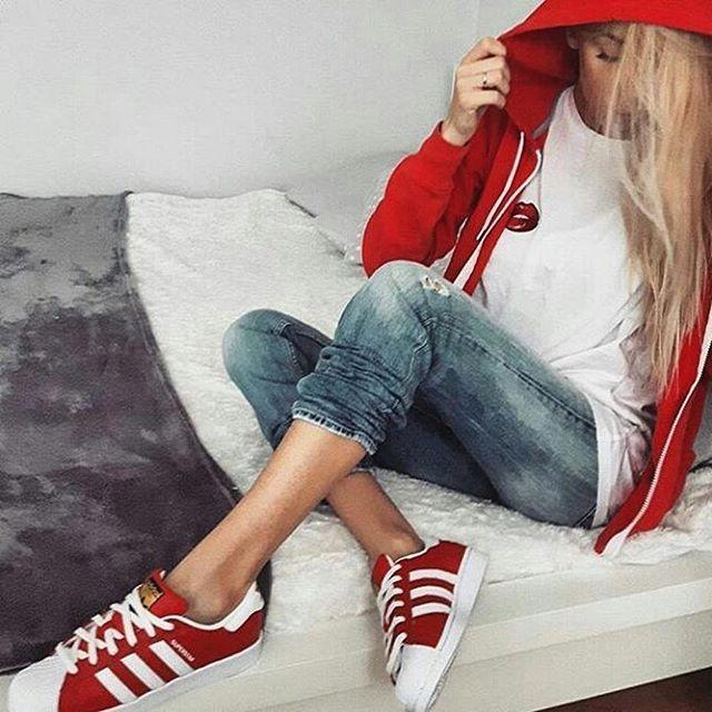 chaussure femme adidas superstar rouge