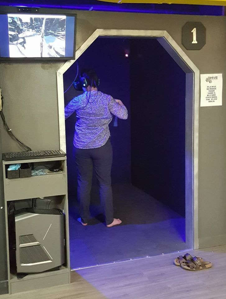 ec81f099a4f How to Set Up a Room in Your Home Just for VR