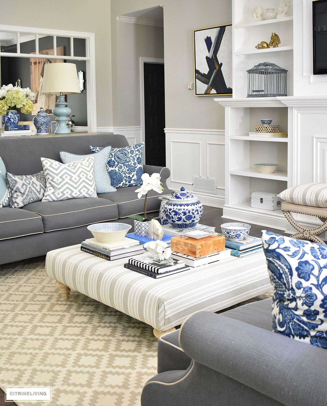 3 WAYS TO STYLE YOUR COFFEE TABLE OR OTTOMAN | Bandejas, Hogar y ...