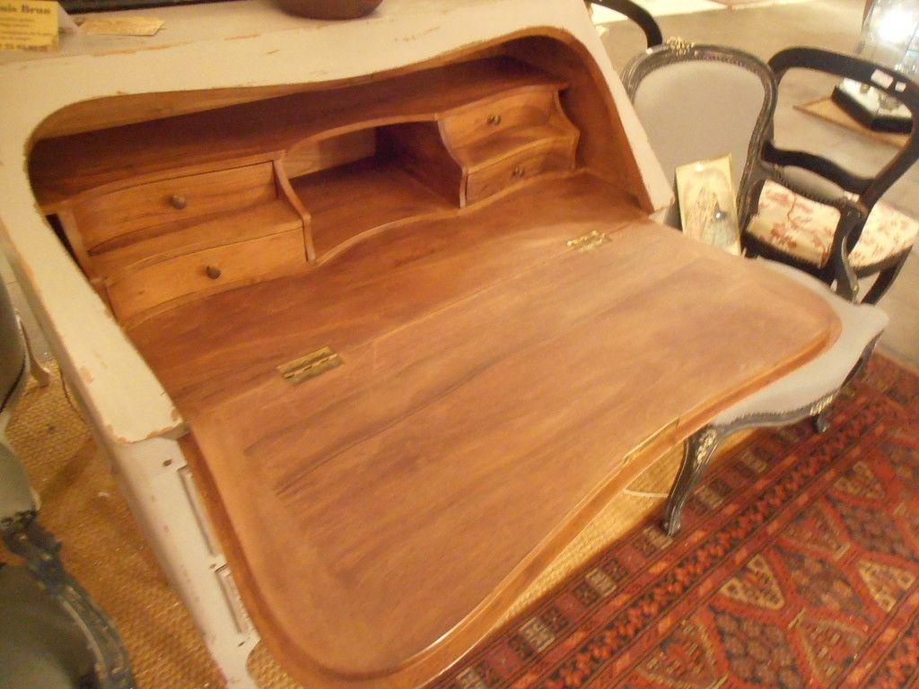 Scriban en noyer style louis xv patine gris for Vente de meubles en suisse