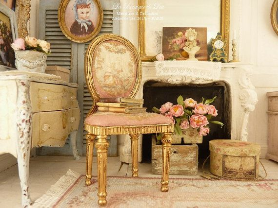 Charming Medallion Chair Louis XVI, Marie Antoinette, Aubusson, Raspberry, Furniture  For A Typical French Dollhouse In 1:12th Scale