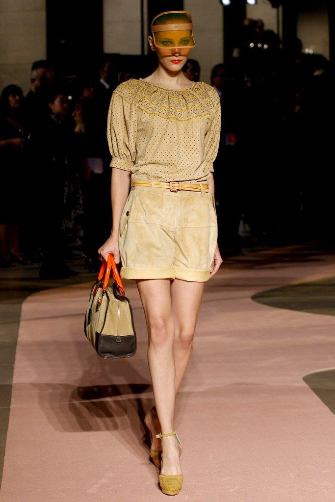 Loewe Spring 2010 Ready-to-Wear Collection Photos - Vogue