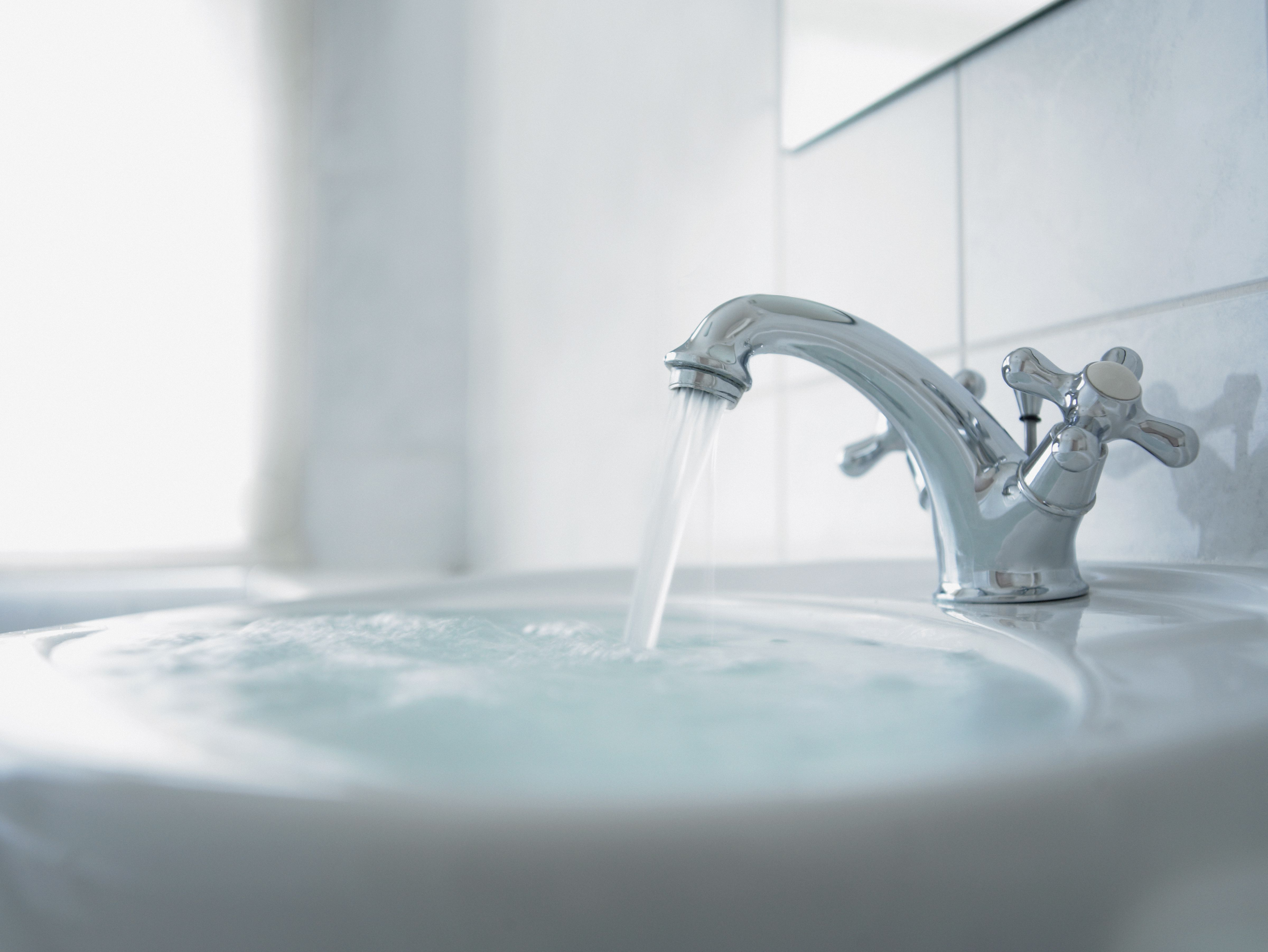 what is the best way to fix a slow sink drain bathroom sink drain bathroom drain smelly bathroom drain