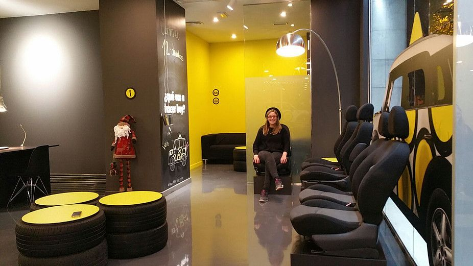 Mobiliario y carpinter a para autoescuela de la conocida marca hoy voy este centro educativo se - Discoteca ozona madrid ...
