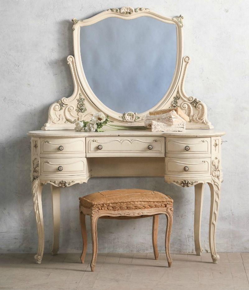 Vintage Shabby French Louis XV Style Vanity. FrenchGardenHouse.com 🔻🔺♠️♠️More At FOSTERGINGER @ Pinterest. ♠️♠️🔺🔻