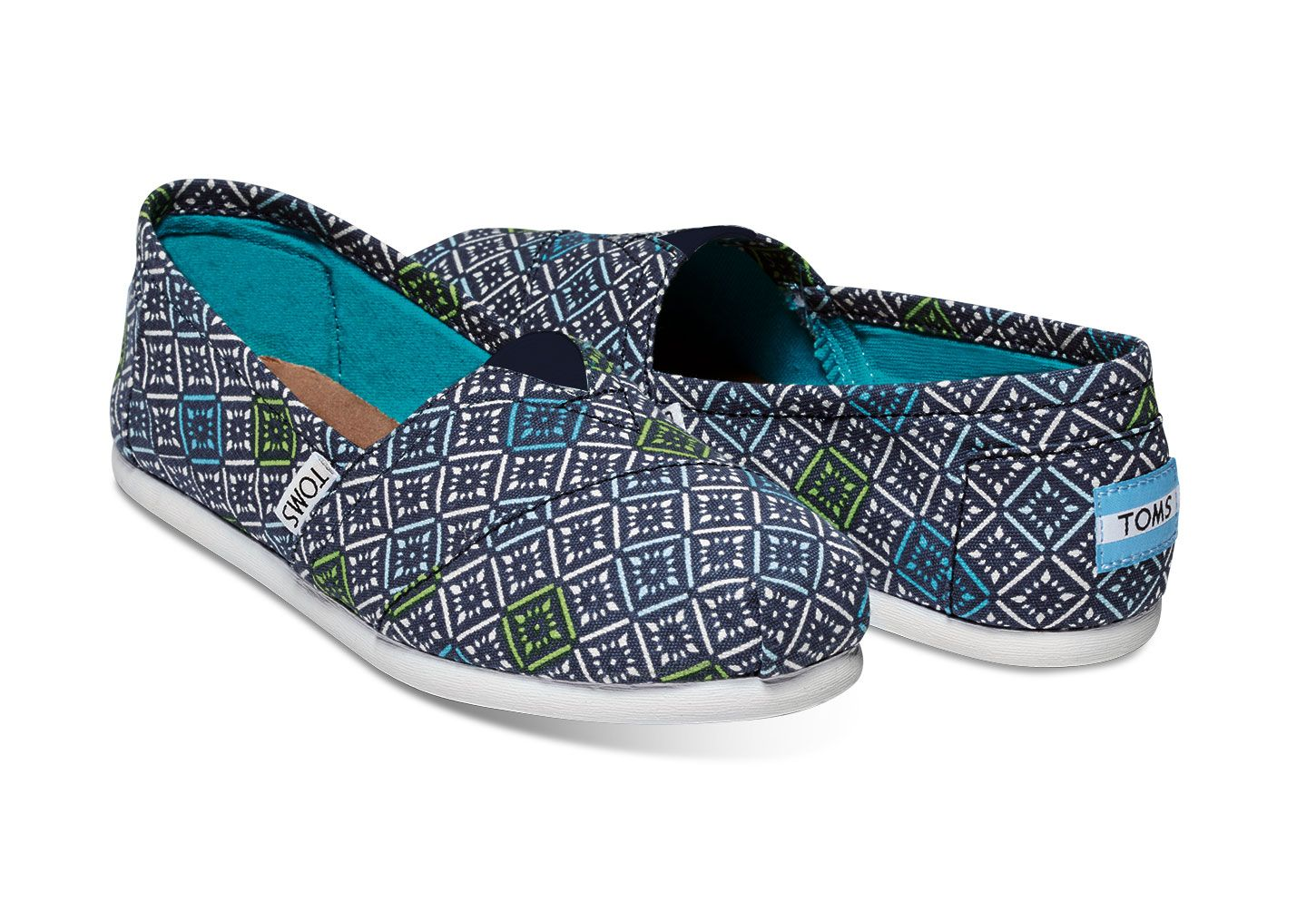 Enjoy your TOMS Classics with a feel-good pop of color and print.  Comfortable