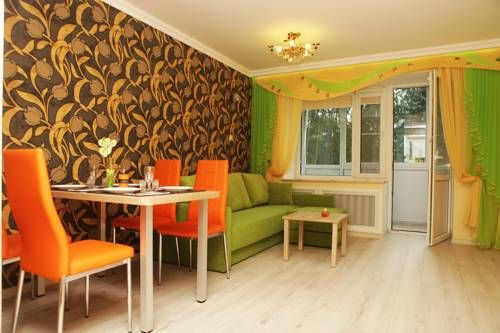 ASTA Apartments Chernyakhovsk Located in Chernyakhovsk, this apartment is 48 km from Goldap. Guests benefit from balcony. Free WiFi is provided throughout the property.