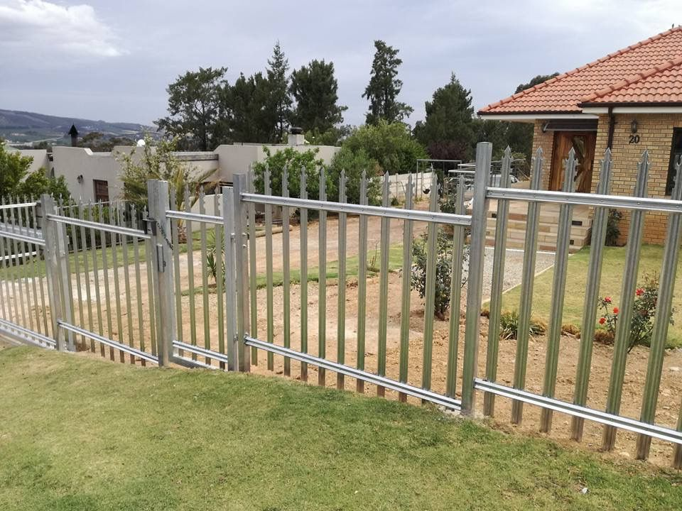Pin By Palisade World On Palisade Fencing From Palisade World With Images Palisade Fence Outdoor Decor Stainless Steel Bolts