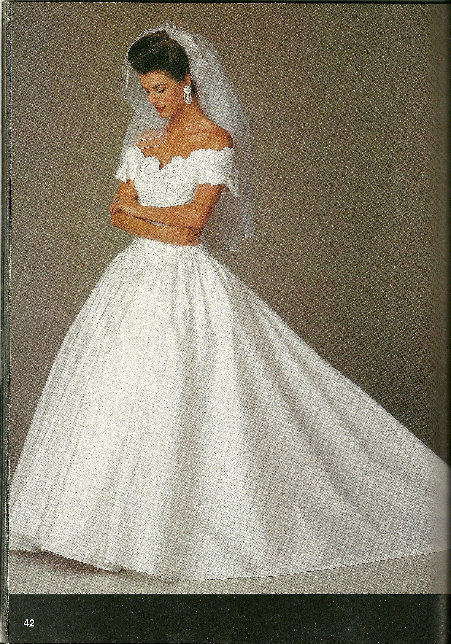 Pin de Debora en BRIDAL COTURE   Pinterest   Vestidos de novia ...