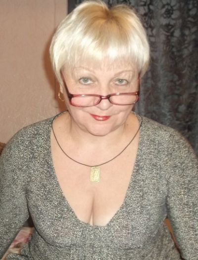 Proud saggy grannies cleavage