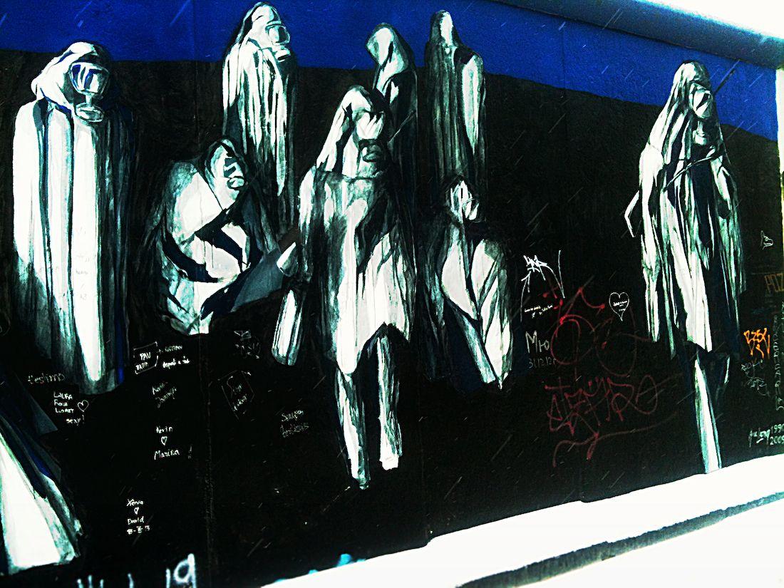 Street Art On Brick Lane In London A Stroll Around The World Street Art London Street Art Best Street Art