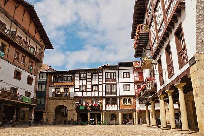 Hondarr bia pa s vasco los 17 pueblos m s bonitos de espa a skyscanner espa a spain - Casas rurales pais vasco frances ...