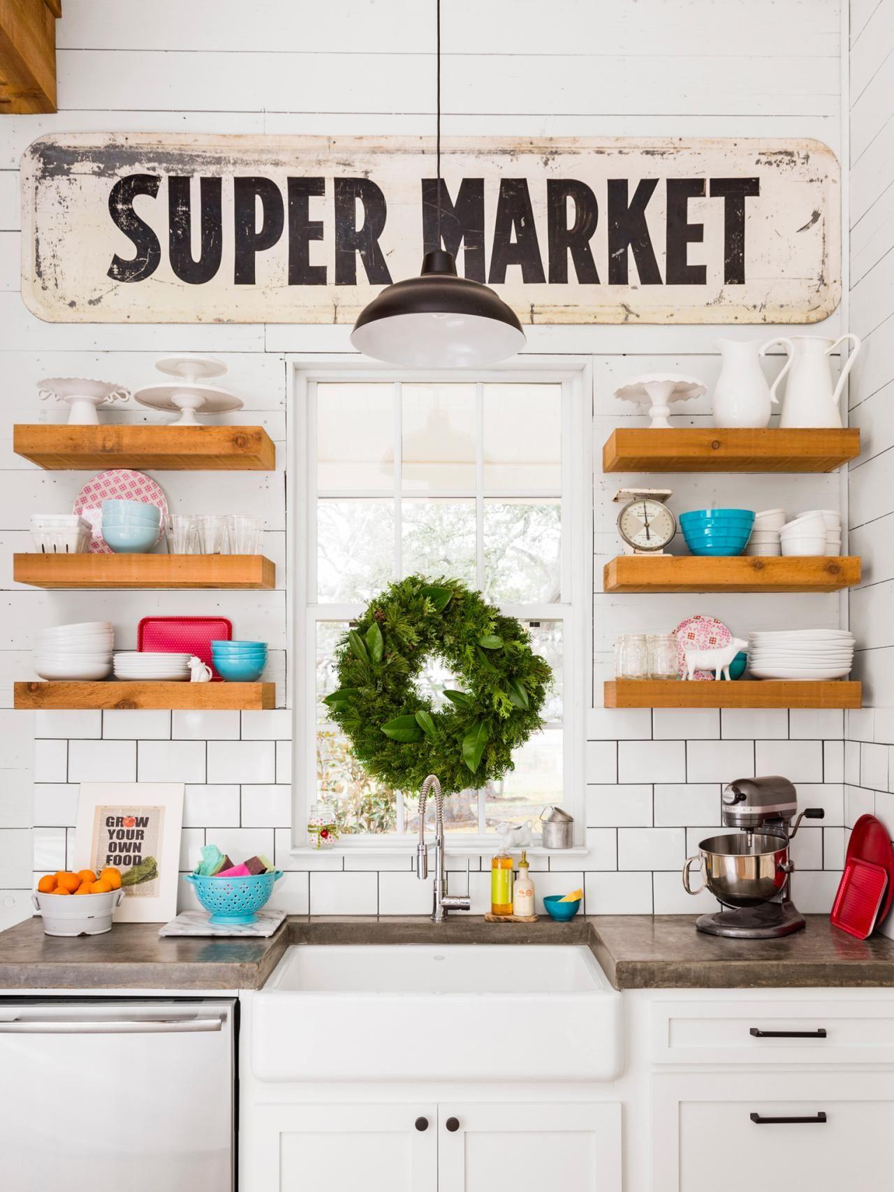 Fixer upper farm kitchens - 17 Best Images About Chip And Joanna Gaines Magnolia Home On Pinterest House Tours Fixer Upper Hosts And Concrete Counter
