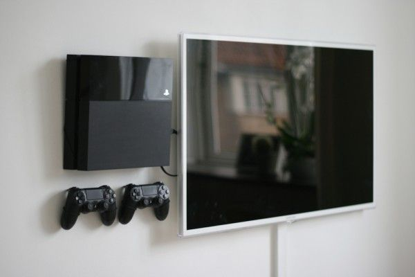Floating Grip Ps4 And Controller Wall Mount Bracket