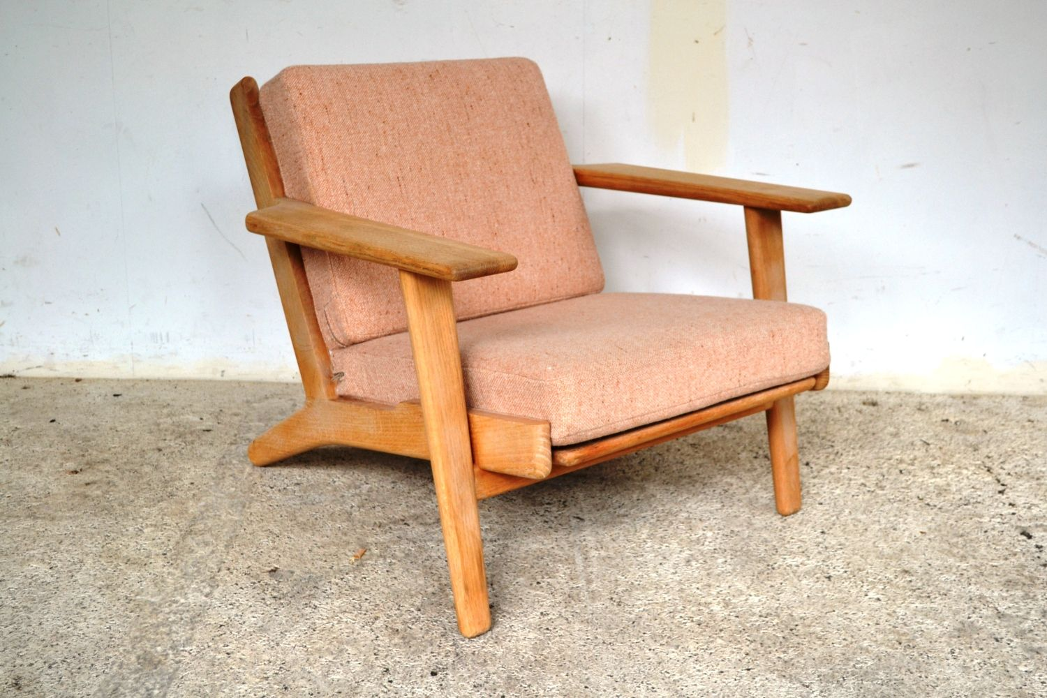 A hans wagner oak plank chair