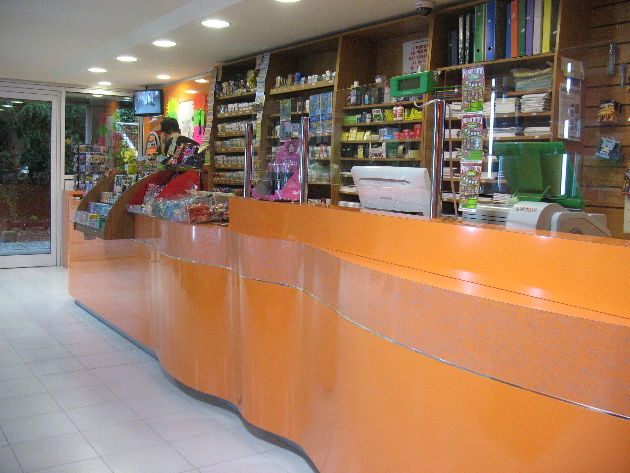 Arredamento Ricevitoria ~ Arredamento tabaccheria bar ricevitorie negozi aessearreda on