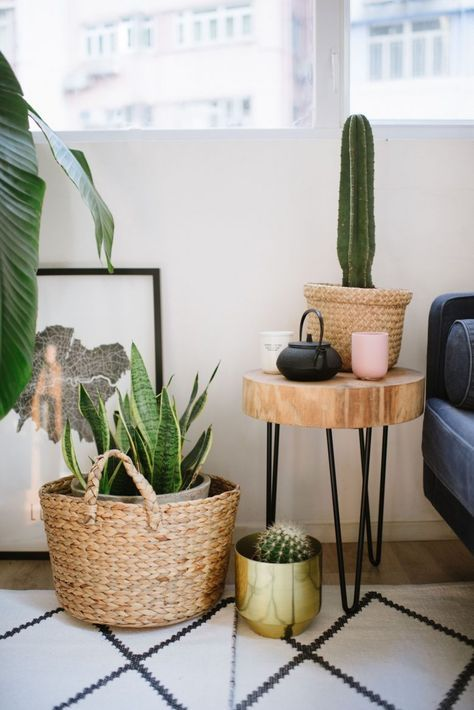 How To Make Your Tiny Living Space Look (And Feel) Huge | Collective Gen #smalllivingspaces