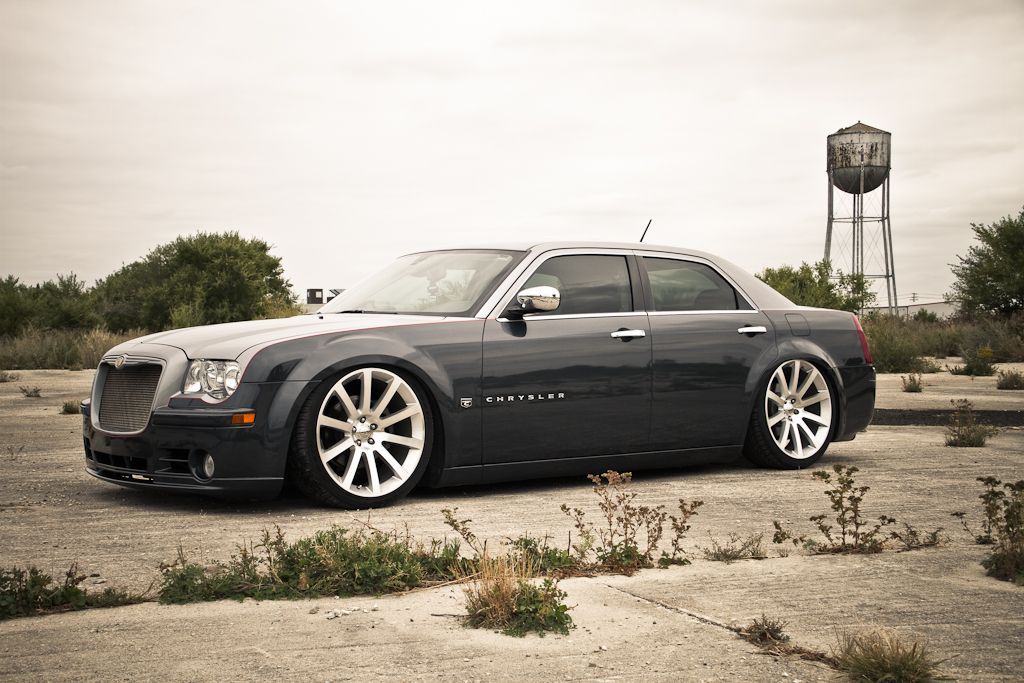 Two Tone Paint Job With Images Chrysler 300 Srt8 Chrysler 300