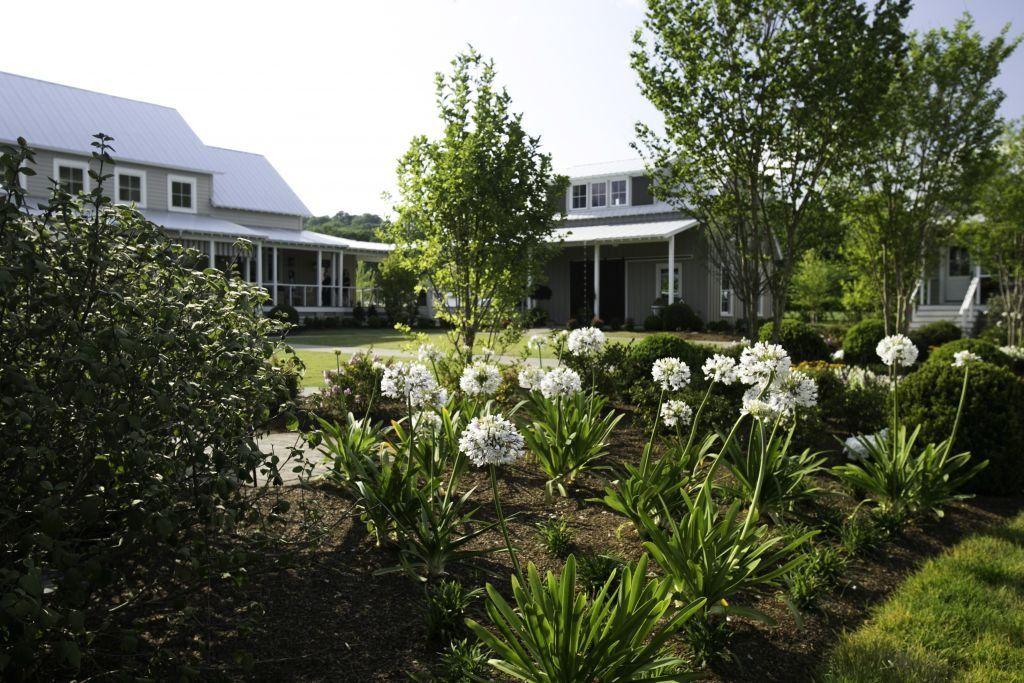 28 Container Gardens for Spring Day 19 Carmen Johnston
