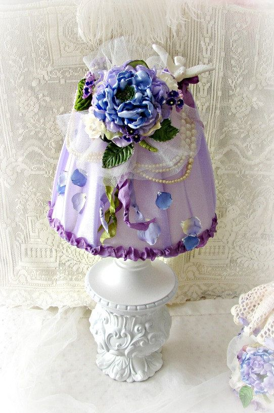 Vintage Lamp With Lavender Hydrangea Lampshade By Treasured2 Dekor Igolnica