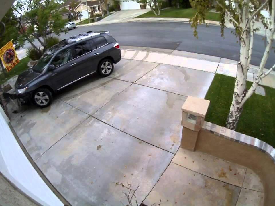 Toyota Highlander Crashing Into House Toyota Highlander Toyota Highlander