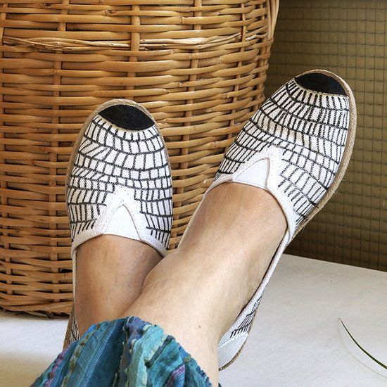 Doodle Shoes | Fun Family Crafts