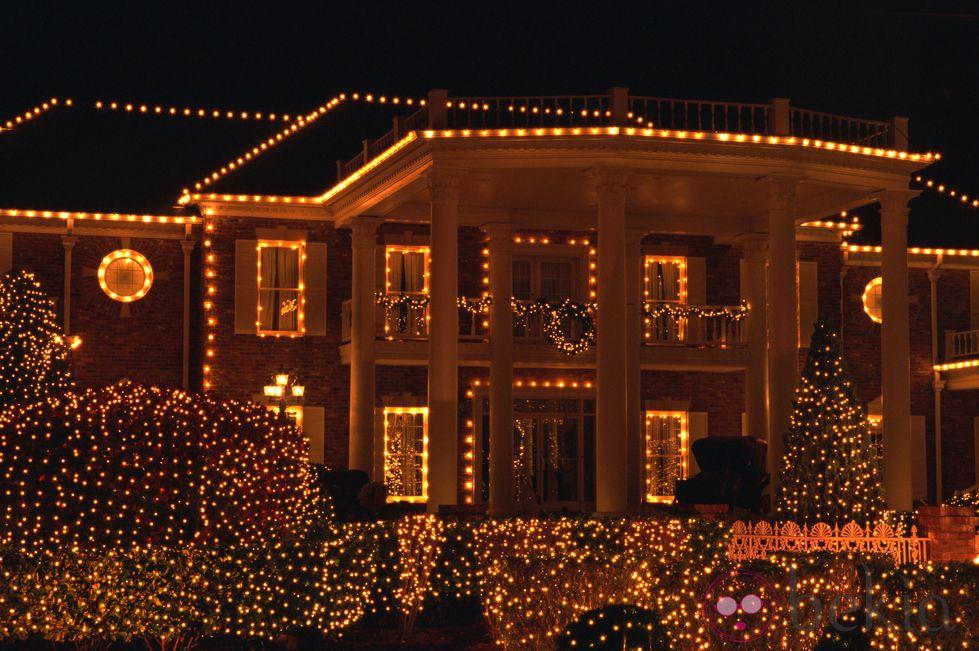 Ideas Para Decorar El Exterior De Tu Casa En Navidad Luces Festivas Luces Navidad Decoracion Luces De Navidad Exteriores