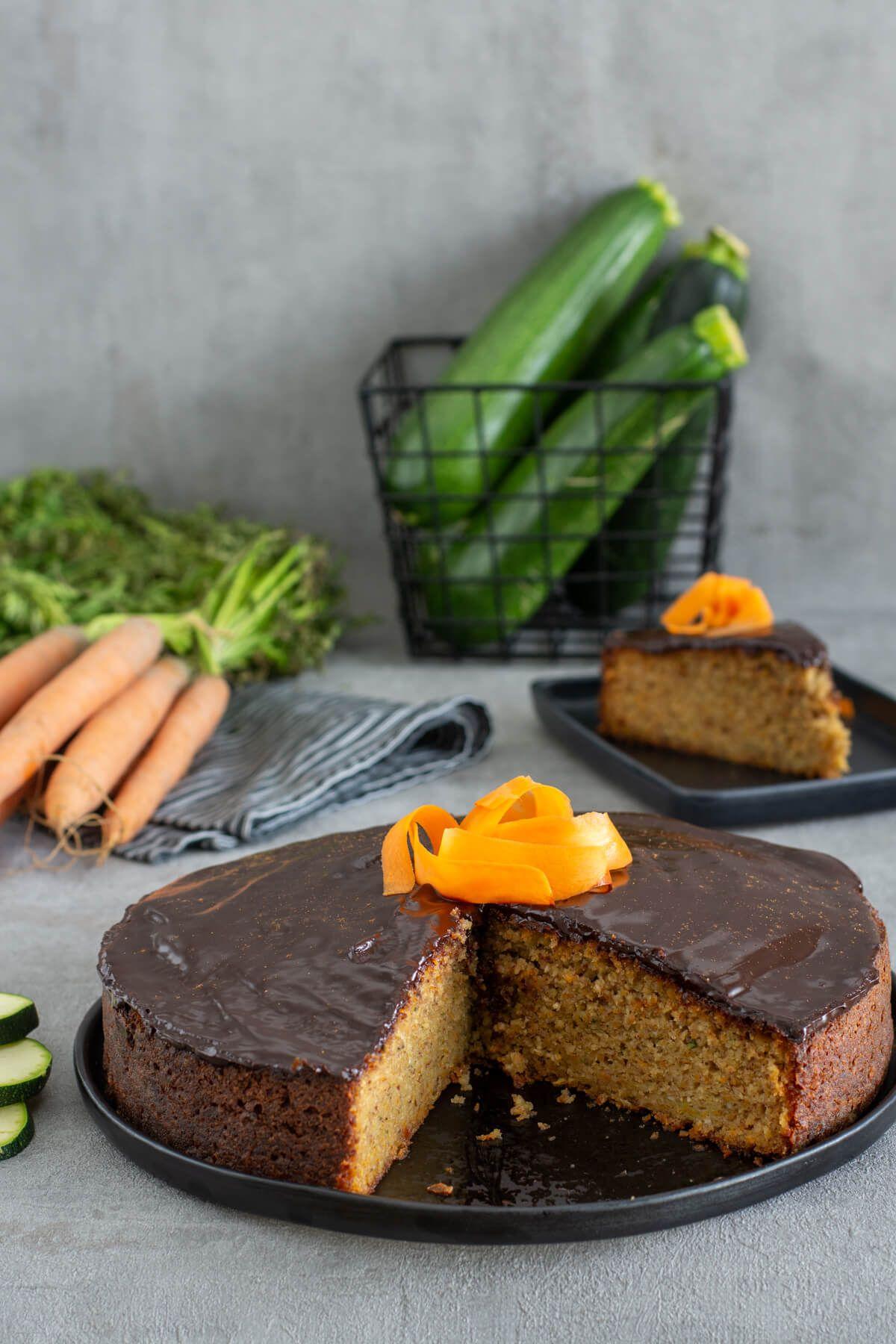 Saftiger Zucchini Karottenkuchen Ohne Zucker Zucchini Karottenkuchen Zuckerfrei Backen Und Karotten Kuchen