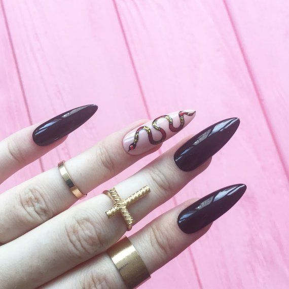 halloween nails, Black Nails, snake nails, Fake nails ...