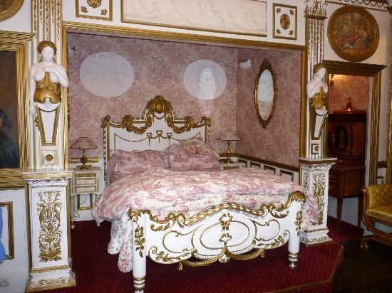 marie antoinette themed room at the chateau de montaubois hotel