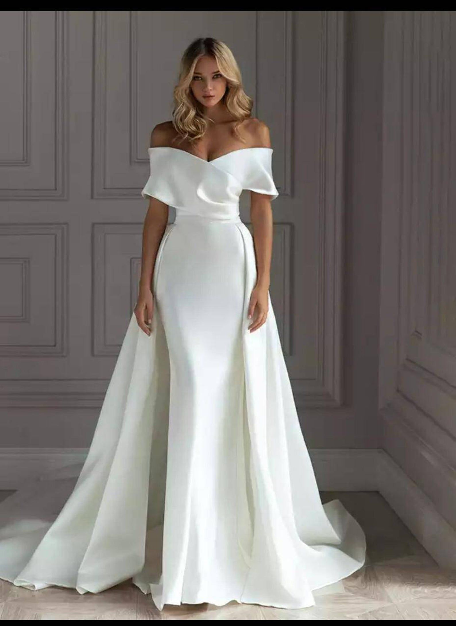 Mermaid Wedding Dress Wedding Dress Reception Dress Wedding Etsy In 2021 Glamourous Wedding Dress Wedding Dress Guide Bridal Dresses [ 2181 x 1588 Pixel ]