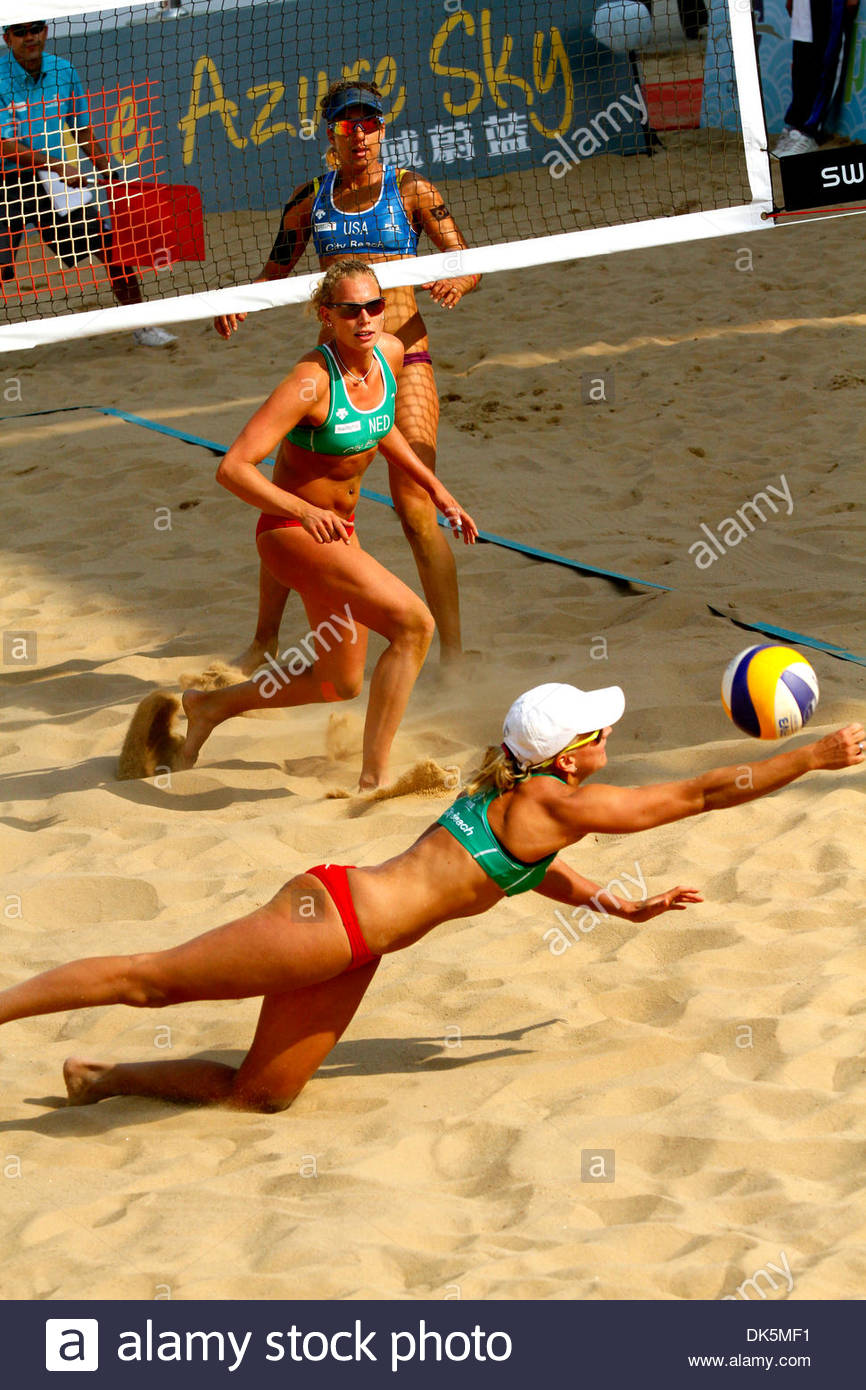 Marleen Marlon Van Iersel Google Search Beach Volleyball Volleyball Players Volleyball