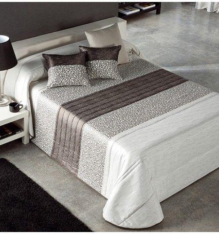 couvre lit panthere Couvre lit matelassé jacquard et ses housses coussins Panthère  couvre lit panthere