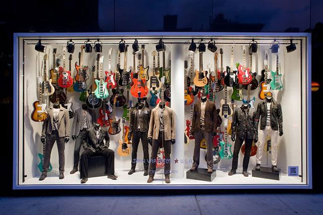 30+ winning retail window displays: visual merchandising at its ...