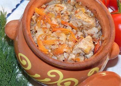 Курица с гречкой в горшочках | Идеи для блюд, Еда, Фото еды