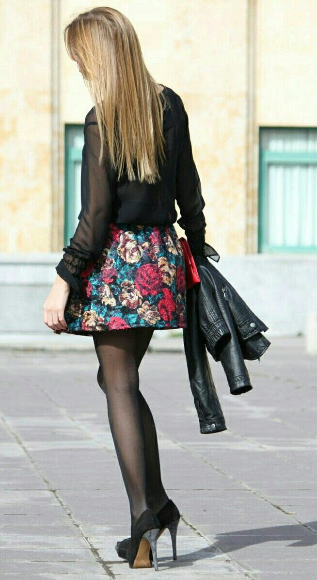 Skirt caaught in pantyhose