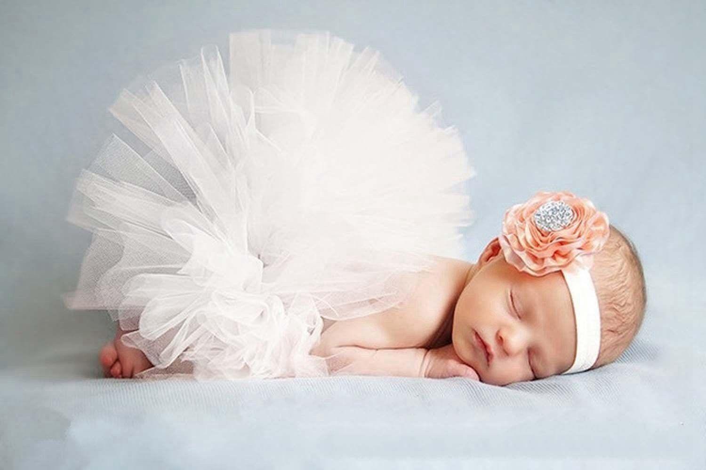 3c9c7f90d5bb4 DAYAN Photo Photographie Prop costume de bébé fille sait TuTu robe fleur  rose bandeau Couleur Blanc  Amazon.fr  Bébés   Puériculture