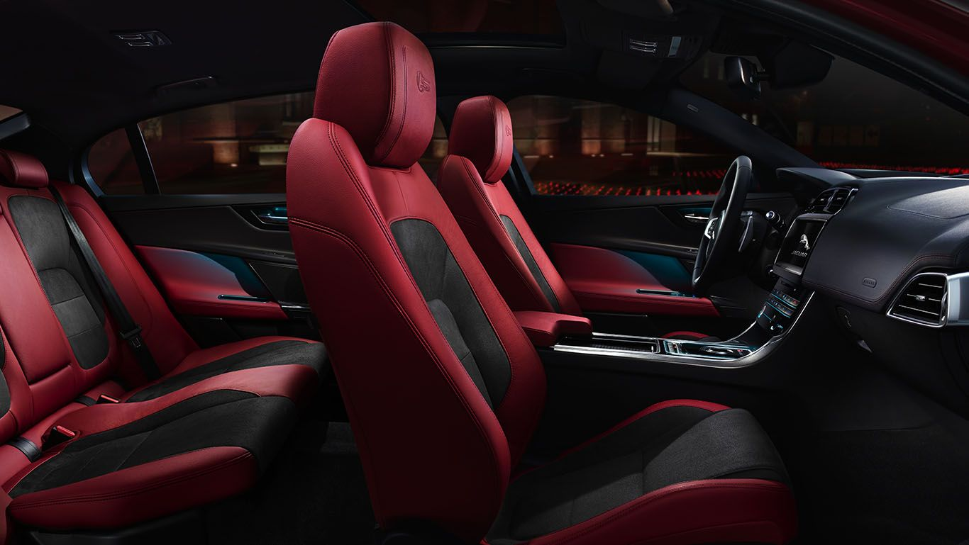 Get Up Close To The Latest Jaguar Xe Premium Compact Sport Sedan With These Exciting High Resolution Images Featuring Both Jaguar Xe Jaguar Usa Jaguar Models