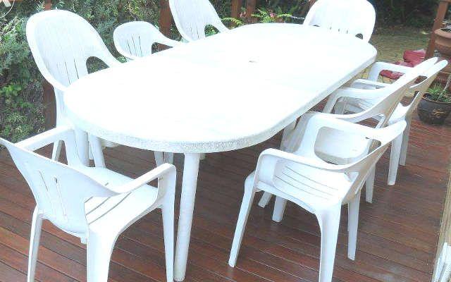 pour nettoyer les chaises de jardin blanches nettoyage colo pinterest. Black Bedroom Furniture Sets. Home Design Ideas