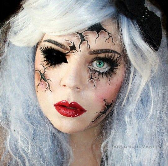Mueca de Porcelana Rota Cracked Porcelain Doll Maquillaje