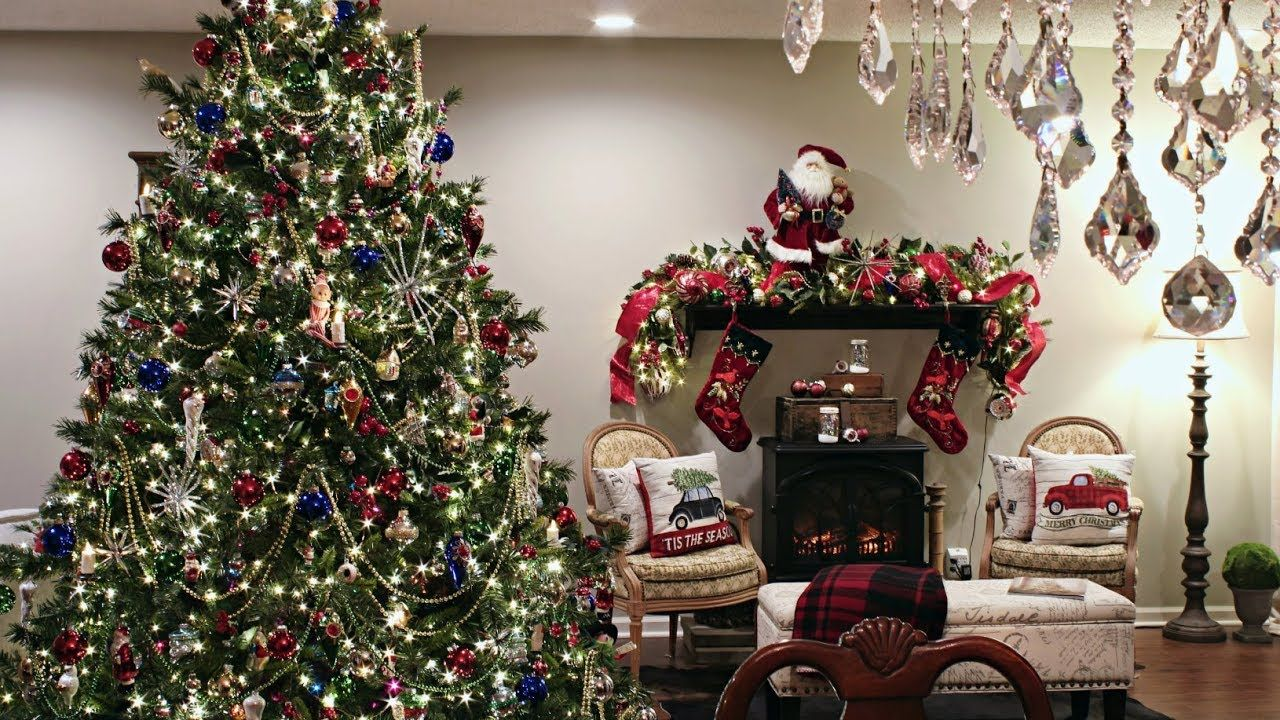 Classic Traditional Christmas Tree How To Decorate A
