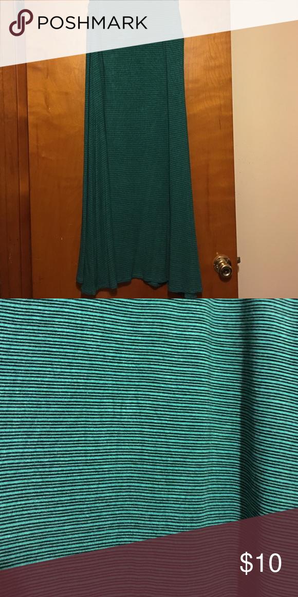 Maxi Skirt, size medium Merona maxi skirt with fold over waist. Original owner. Smoke free home. Merona Skirts Maxi