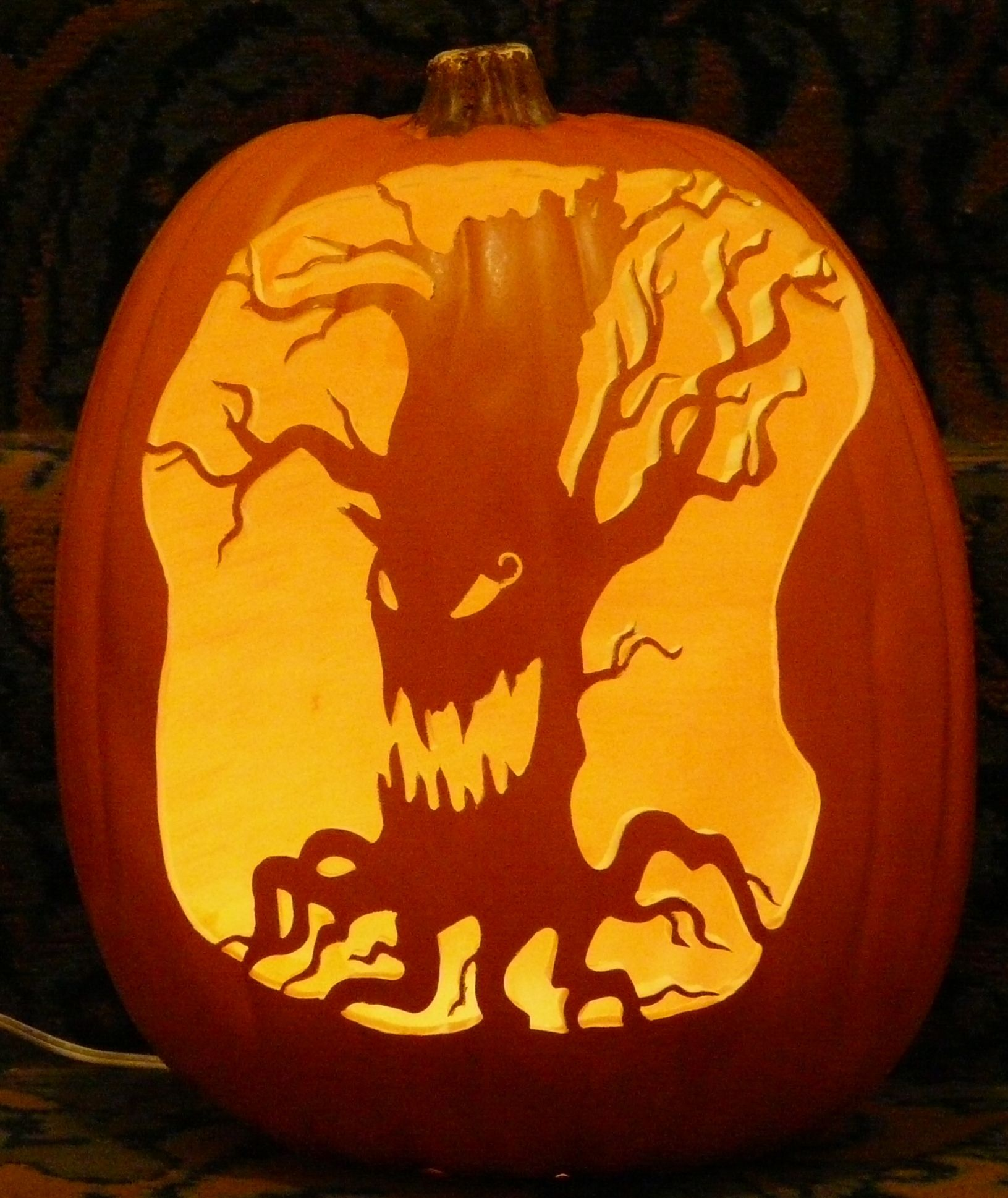 Haunter Pumpkin Carving Ideas 2019 Haunted Tree pattern I carved on a foam pumpkin. | Pumpkin