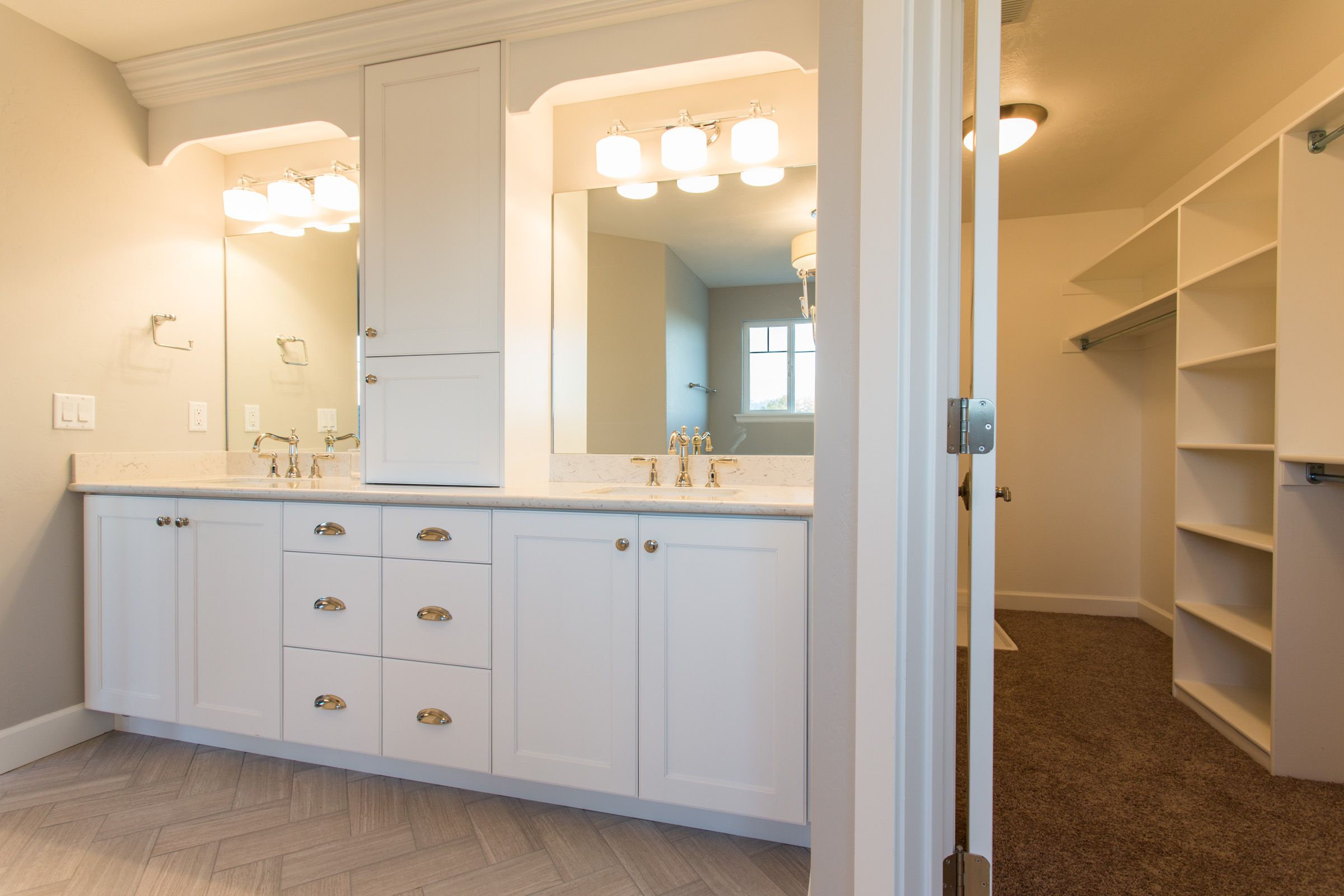 Pepperdign Homes Master Bath Walk In Closet White Cabinets