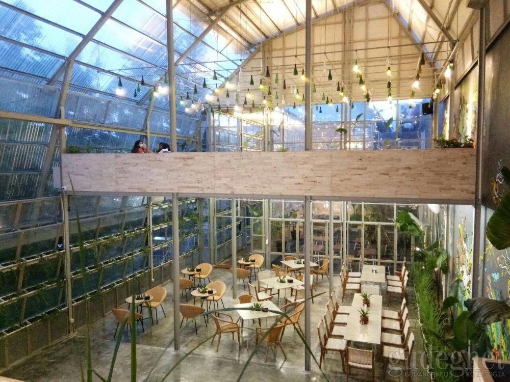 Mezzanine Eatery & Coffee Yogya Desain